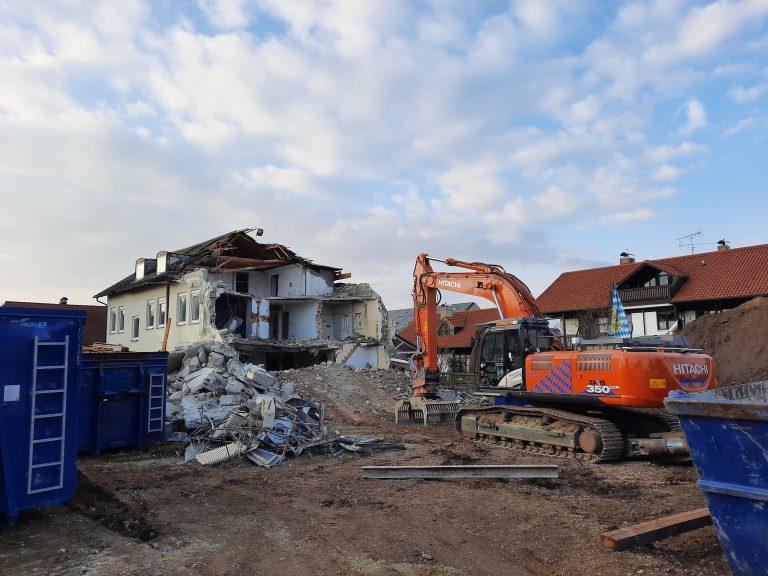 Abbruch Mehrfamilienhaus in Türkenfeld